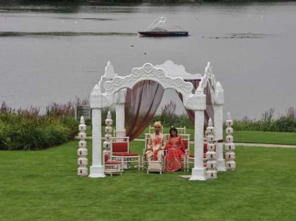 wedding on the lawn 2